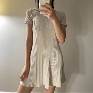 Crew-neck Tee shirt short sleeve flowy dress